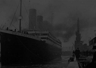 titanic-bg